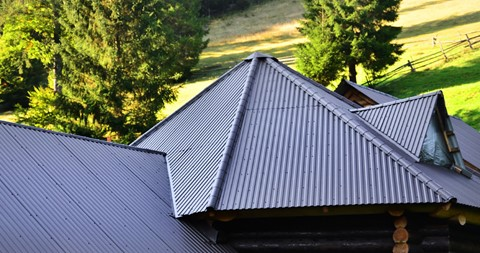 Top 5 Benefits of Using Insulated Roofing Panels